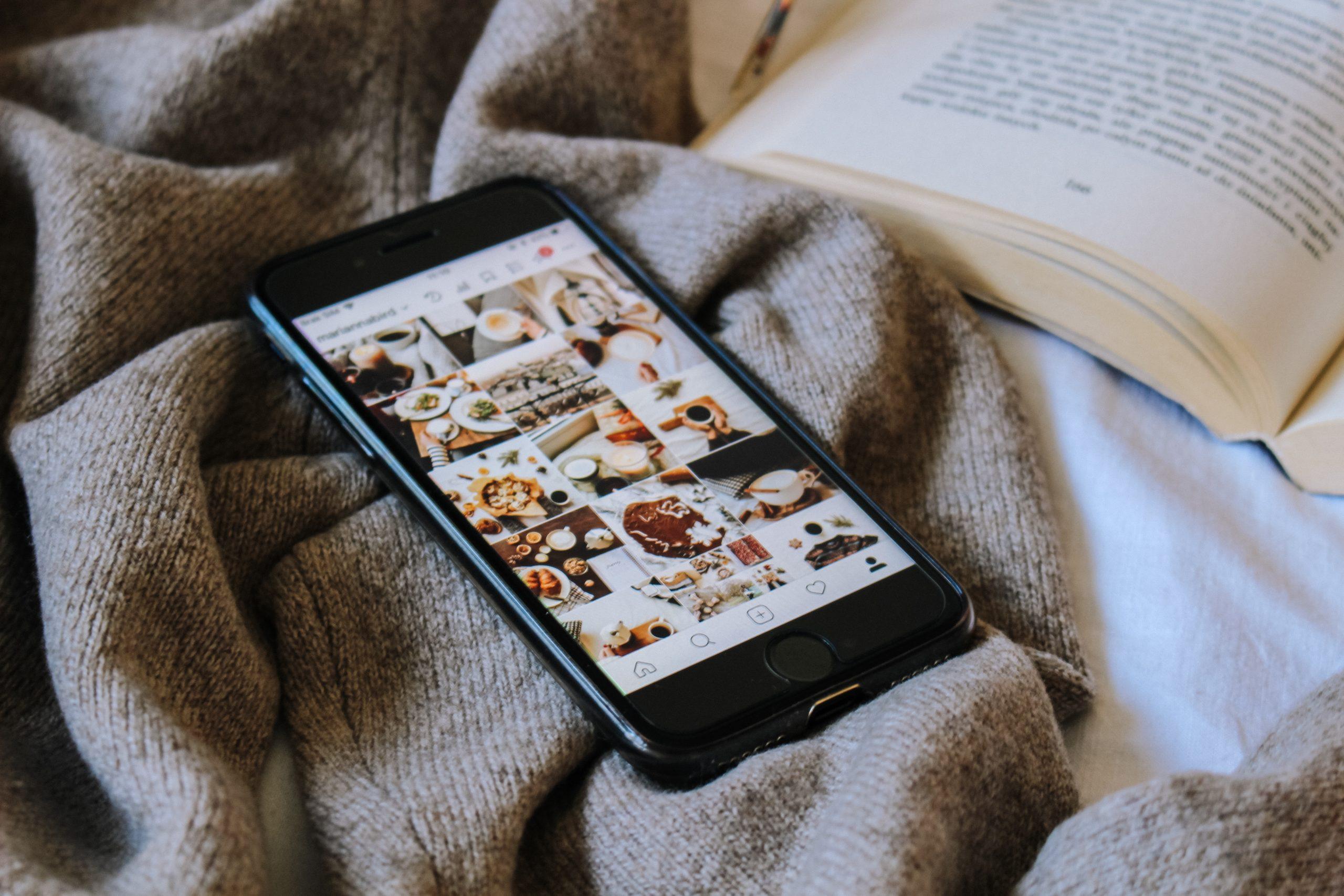 Les réseaux sociaux sont rendus indispensables dans nos journées et nous avons tous adopté les mêmes habitudes.